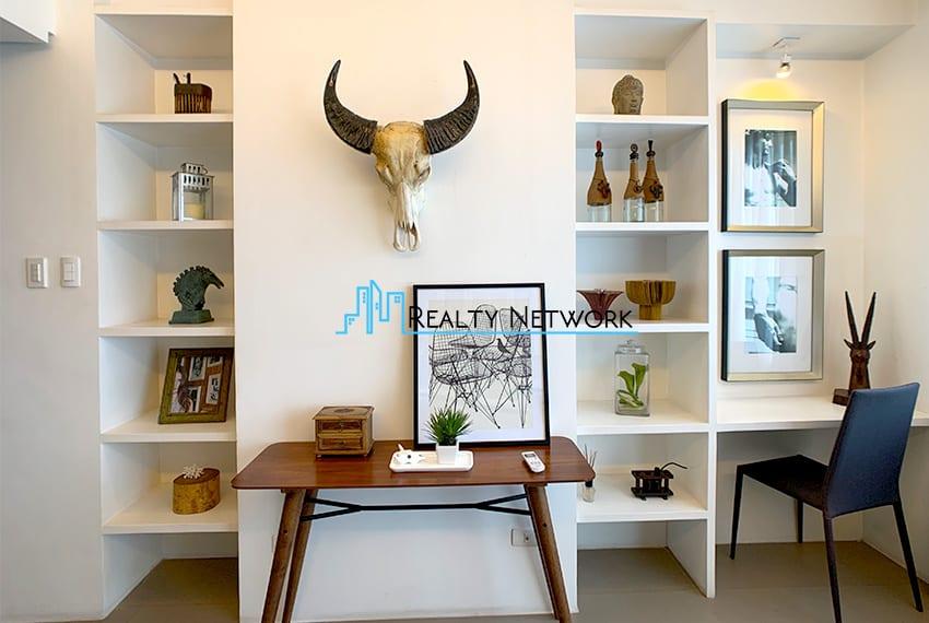 interiored-condo-in-it-park-cebu-wall
