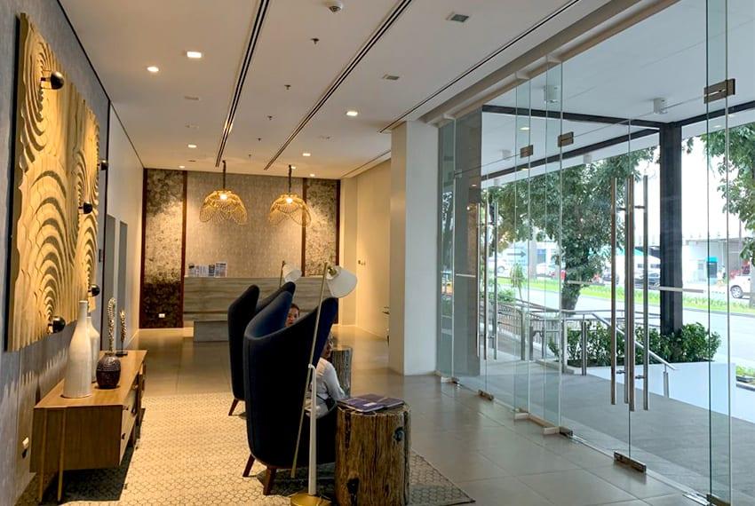 solinea-studio-for-rent-in-cebu-business-park-entrance-lobby