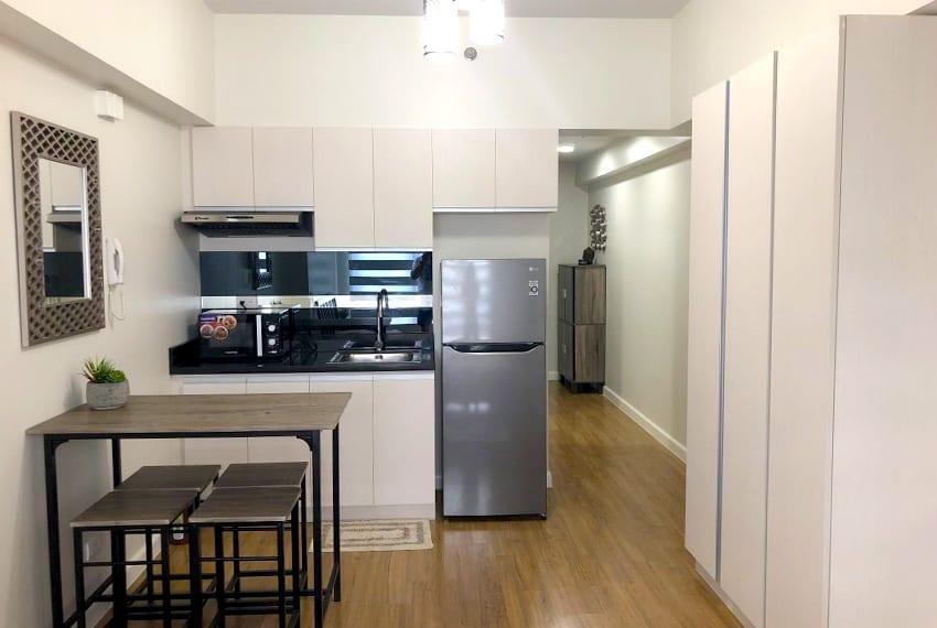 solinea-studio-for-rent-in-cebu-business-park-kitchen