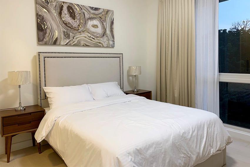 rustic-2-bedroom-in-32-sanson-for-rent-masters-bedroom