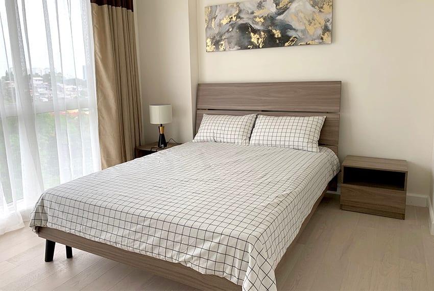 simple-2-bedroom-in-32-sanson-master-bed