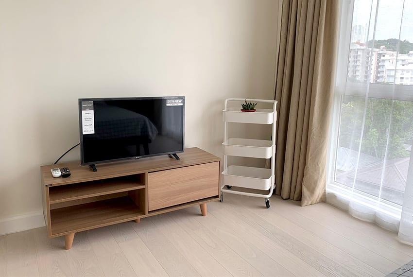 simple-2-bedroom-in-32-sanson-master-tv