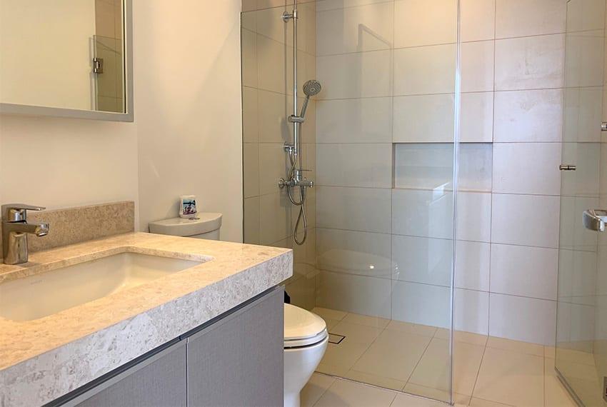 simple-2-bedroom-in-32-sanson-toilet