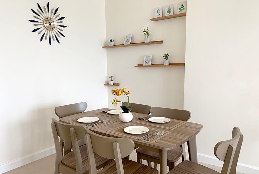 simple-2-bedroom-in-32-sanson-wall-clock