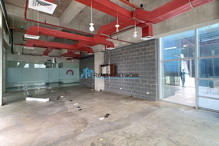 125sqm-office-penthouse-for-rent-in-cebu-business-park-left-entrance-side