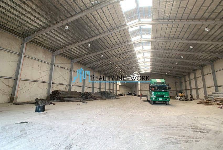 6400-sqm-warehouse-for-rent-in-mandaue-1st-warehouse-entrance-left