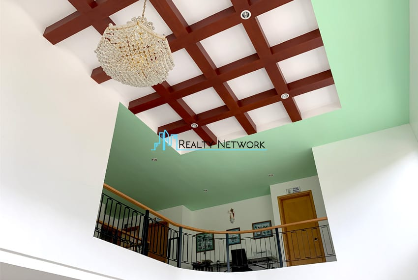 amara-house-for-sale-in-cebu-chandelier-modern-ceiling
