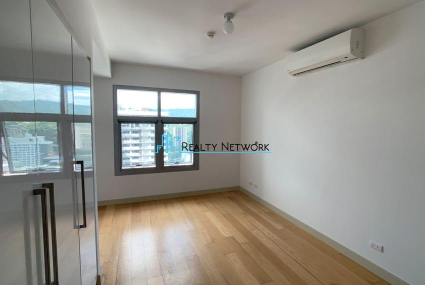 high-floor-2-bedroom-parkpoint-for-sale-bedroom-space
