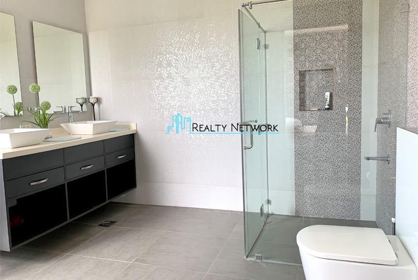seafront-house-for-sale-in-cebu-modern-design-toilet