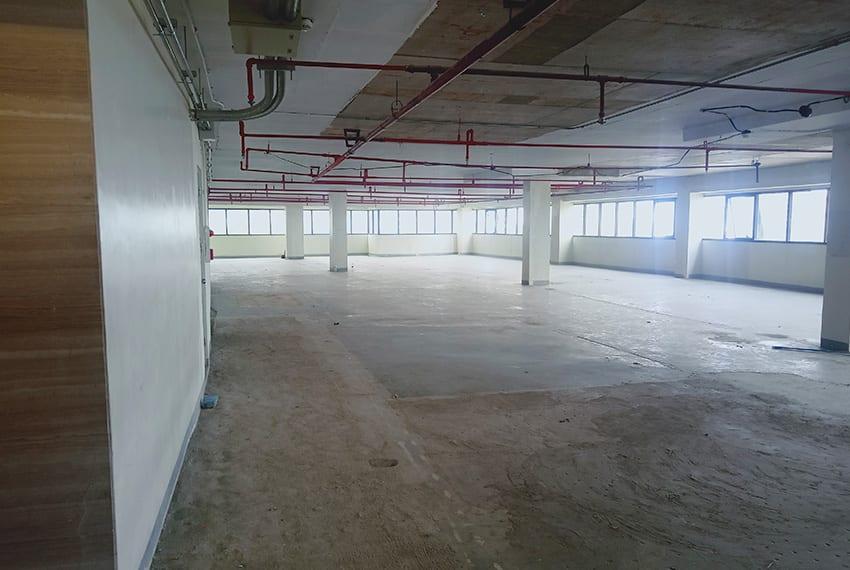 950-sqm-office-floor-for-rent-in-cebu-business-park-side-left