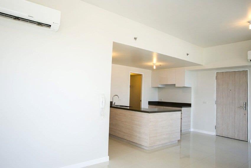 resale-3-bedroom-in-mandani-bay-suites-corner-unit-kitchenview