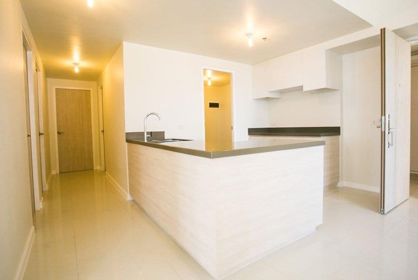 resale-3-bedroom-in-mandani-bay-suites-corner-unit-outside-room-view