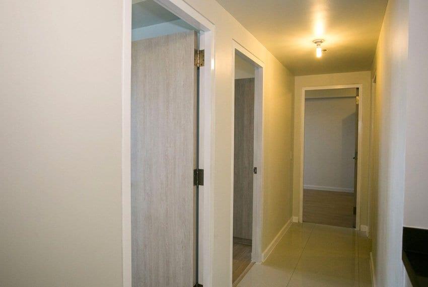 resale-3-bedroom-in-mandani-bay-suites-corner-unit-outside-room