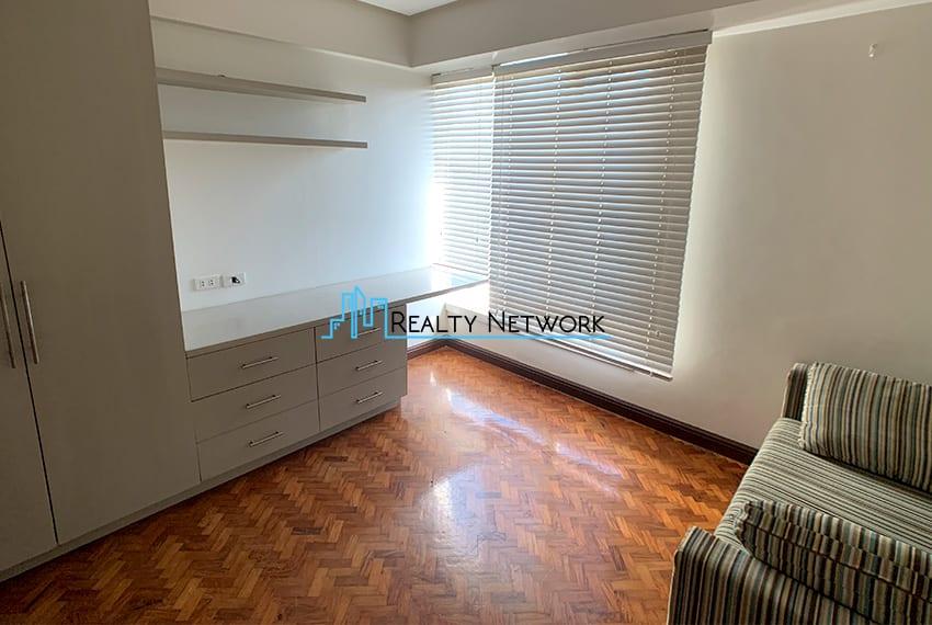 3-bedroom-in-park-tower-2-cebu-business-park-2nd-bedroom
