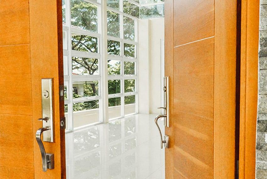 maria-luisa-house-for-sale-front-door