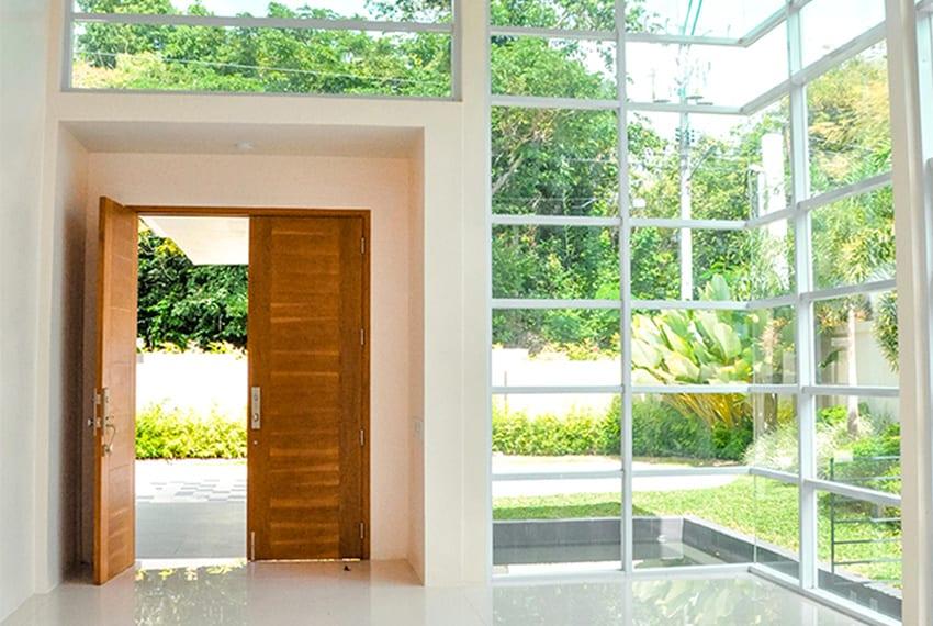maria-luisa-house-for-sale-main-door