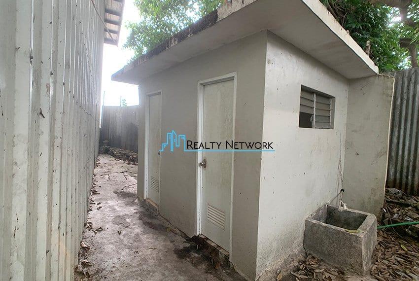 warehouse-for-rent-in-canduman-mandaue-city-comfort-room