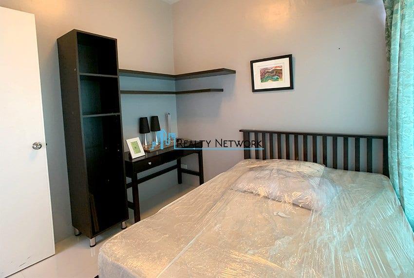 2-bedroom-calyx-it-park-2nd-bedroom-table