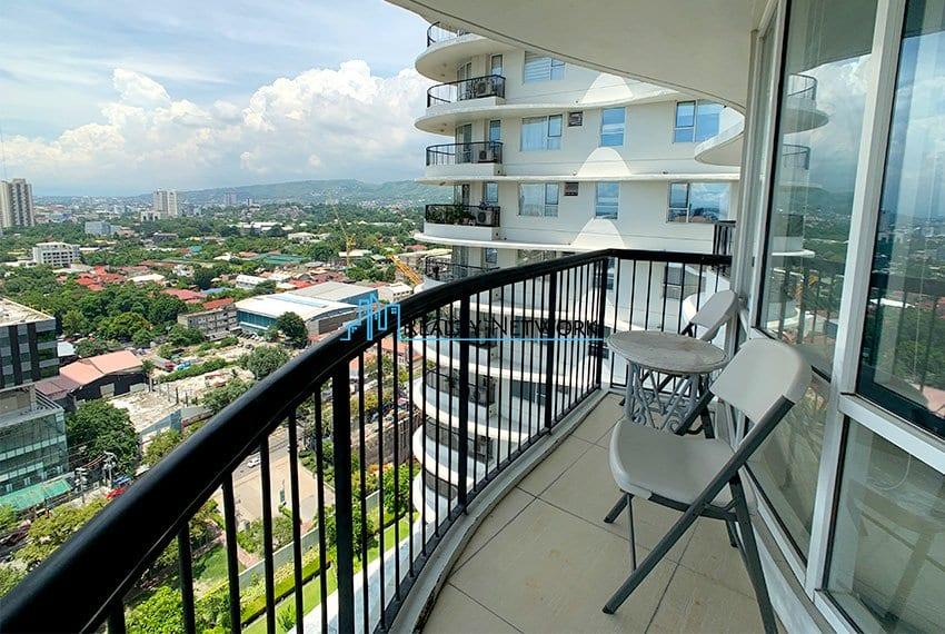 2-bedroom-calyx-it-park-balcony-chairs