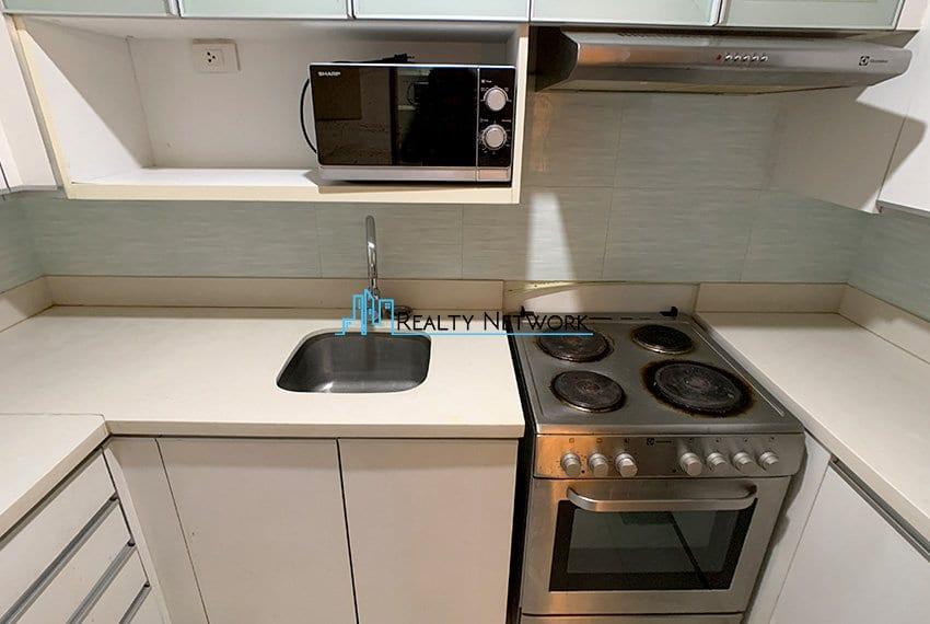 2-bedroom-calyx-it-park-kitchen-zoom