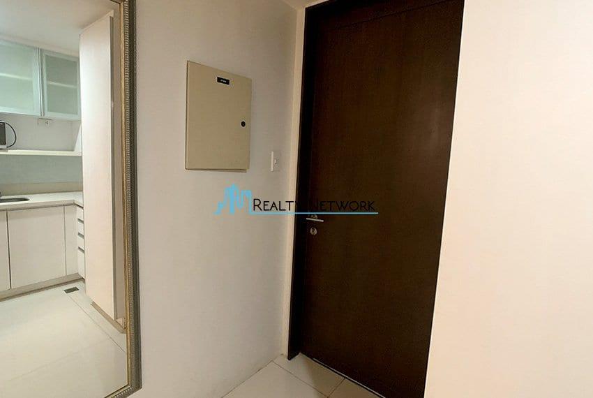 2-bedroom-calyx-it-park-main-door