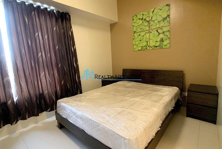 2-bedroom-calyx-it-park-masters-bedroom