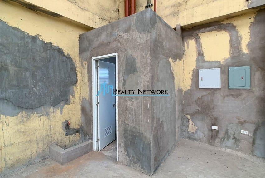 630-sqm-warehouse-in-subangdaku-for-rent-bathroom