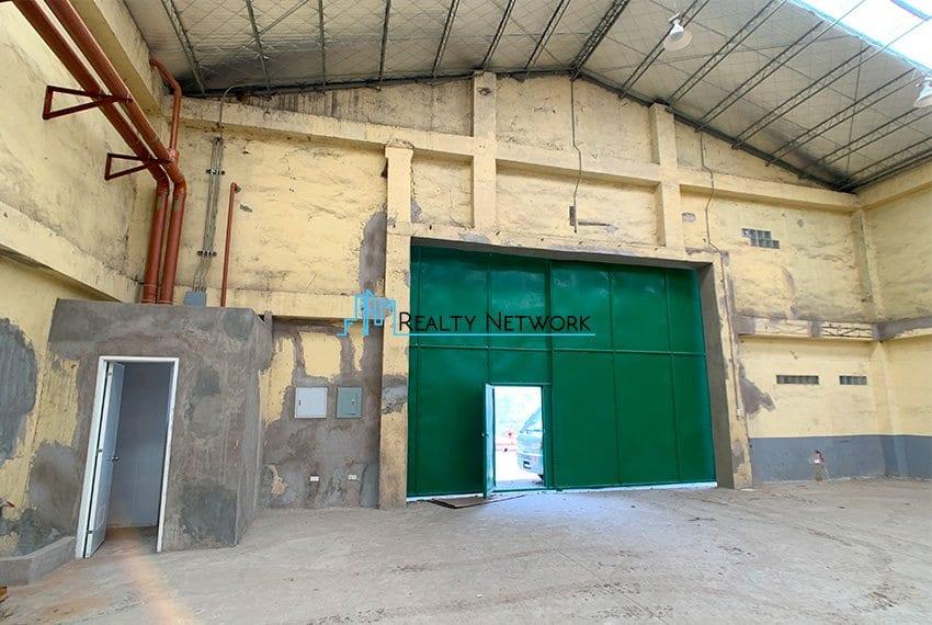 630-sqm-warehouse-in-subangdaku-for-rent-inner-door