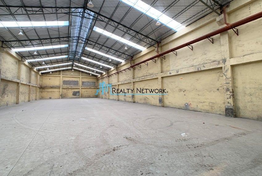 630-sqm-warehouse-in-subangdaku-for-rent-left-side