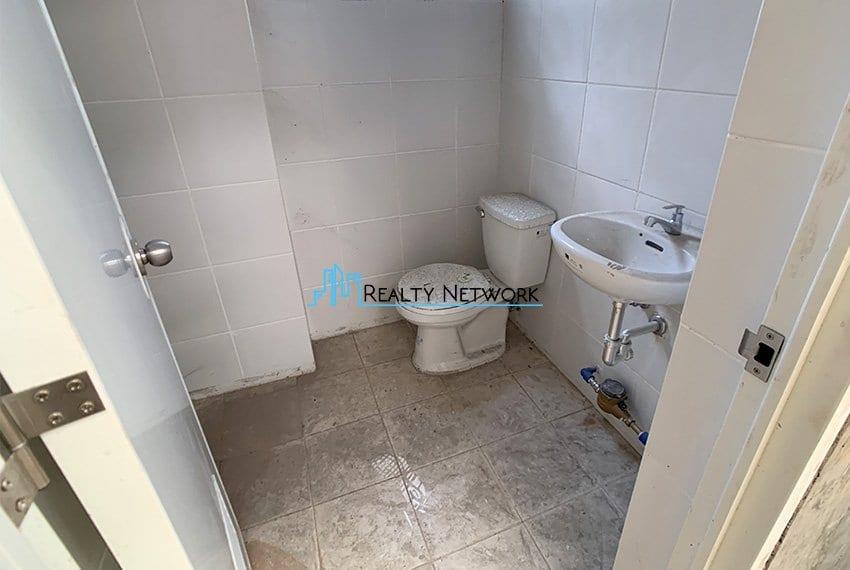 630-sqm-warehouse-in-subangdaku-for-rent-renovated-bathroom