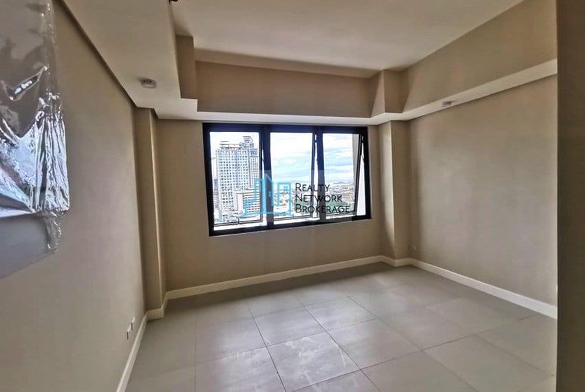 base-line-tower-studio-unit-for-sale-inside-view