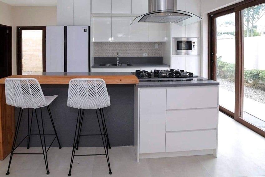 house-for-sale-in-mactan-lapu-lapu-city-kitchen