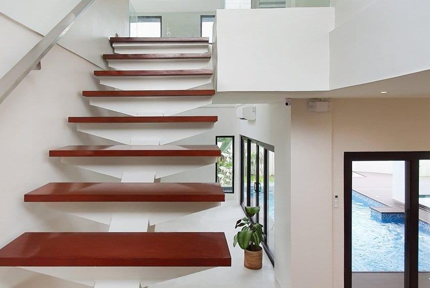 house-for-sale-in-mactan-lapu-lapu-city-stair