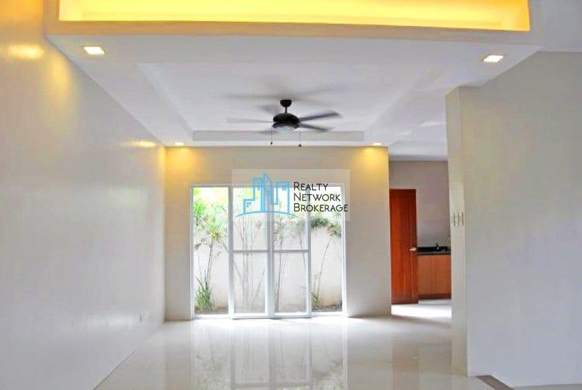 paradise-village-house-for-rent-entrance-1