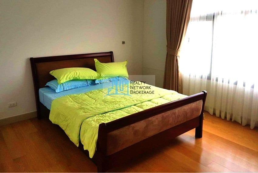 parkpoint-cebu-1-bedroom-for-rent-bed