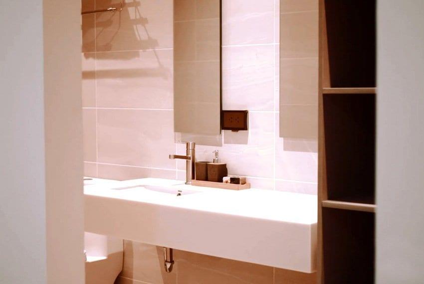 three-storey-luxury-house-for-sale-bath-view