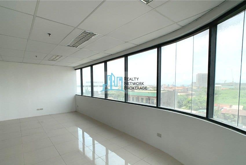 warm-shell-office-rent-in-mandaue-city-window