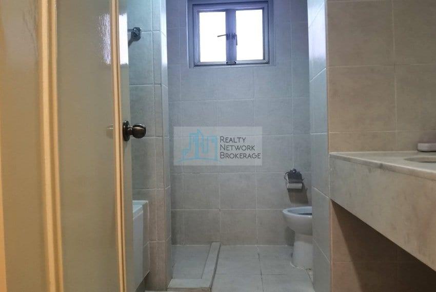 3-bedroom-for-sale-in-movenpick-mactan-bathroom