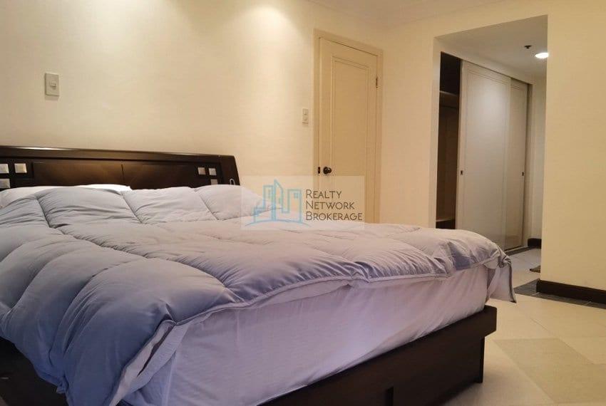 3-bedroom-for-sale-in-movenpick-mactan-bedroom-view