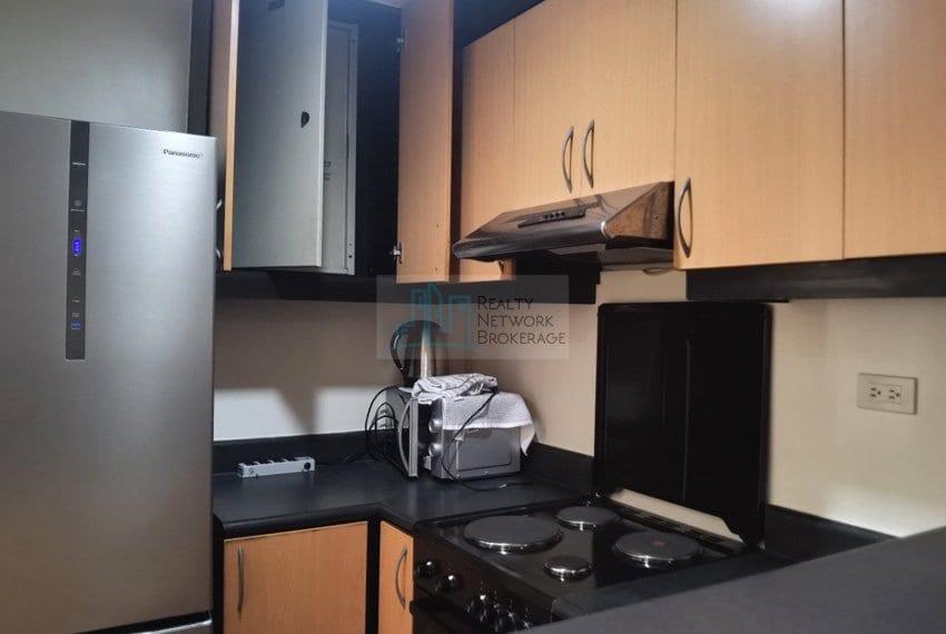 3-bedroom-for-sale-in-movenpick-mactan-kitchen