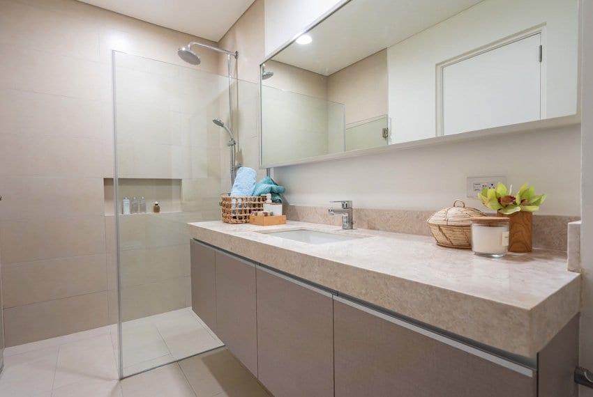 32-sansons-by-rockwell-unit-for-sale-in-cebu-bathroom