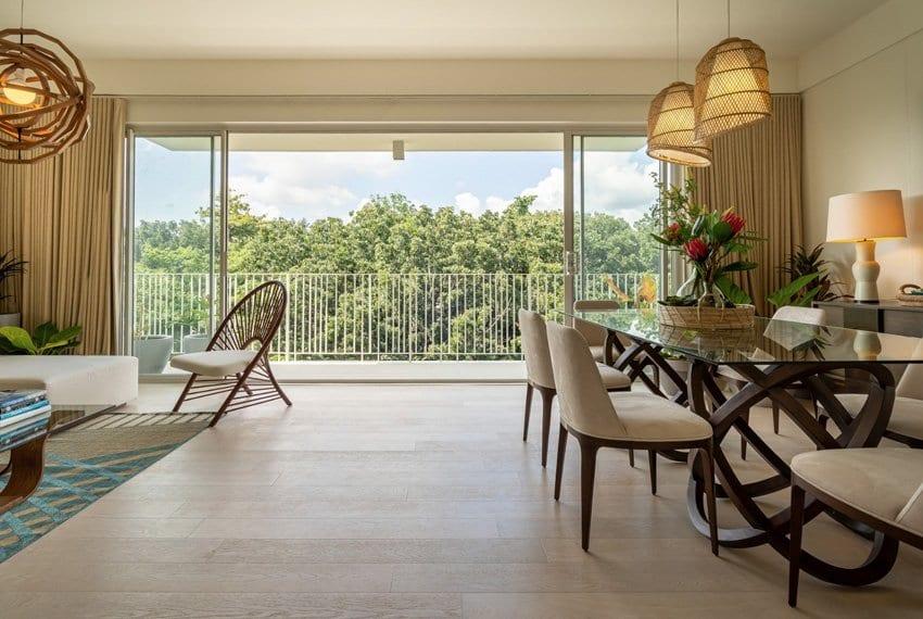 32-sansons-by-rockwell-unit-for-sale-in-cebu-sala-with-balcony