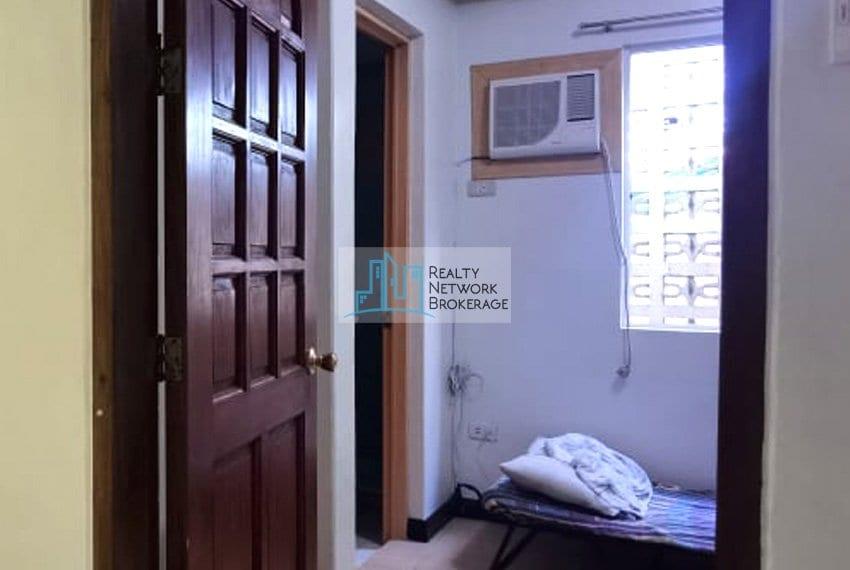 casals-village-cebu-house-for-rent-bedroom-2