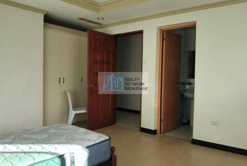 casals-village-cebu-house-for-rent-room-1