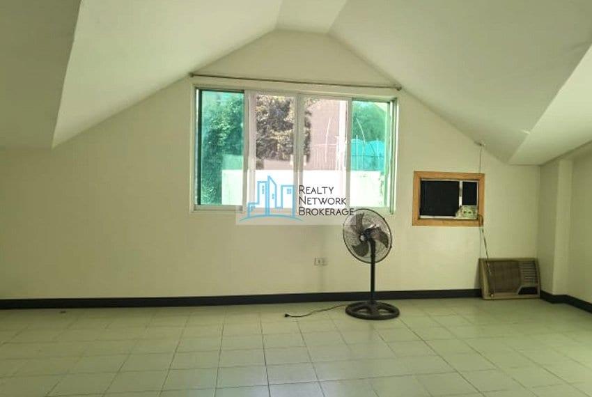 casals-village-cebu-house-for-rent-room-view