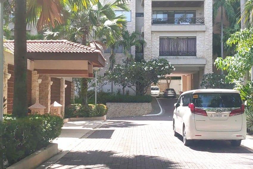 coralpoint-gardens-resort-unit-for-sale-entrance