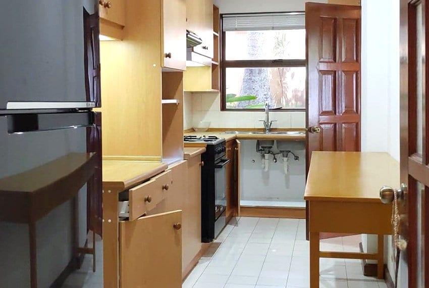 coralpoint-gardens-resort-unit-for-sale-kitchen-view