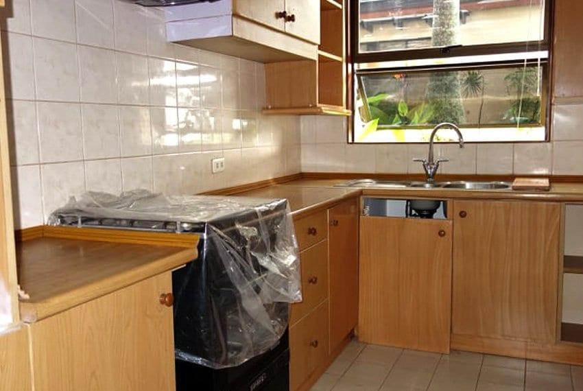 coralpoint-gardens-resort-unit-for-sale-kitchen