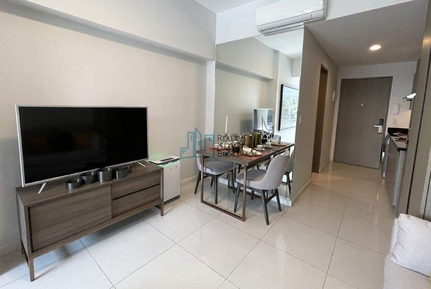 mandani-bay-quay-studio-unit-for-sale-dining-area