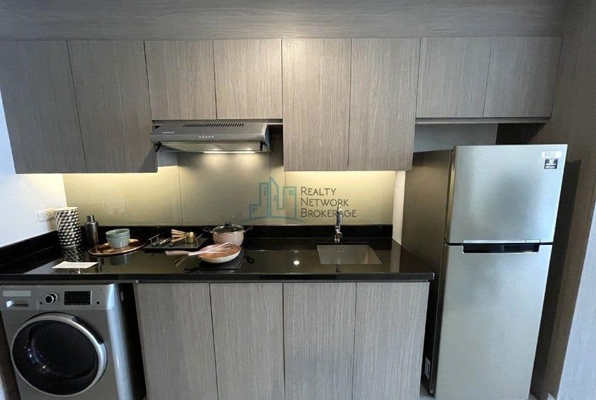 mandani-bay-quay-studio-unit-for-sale-kitchen-front-view